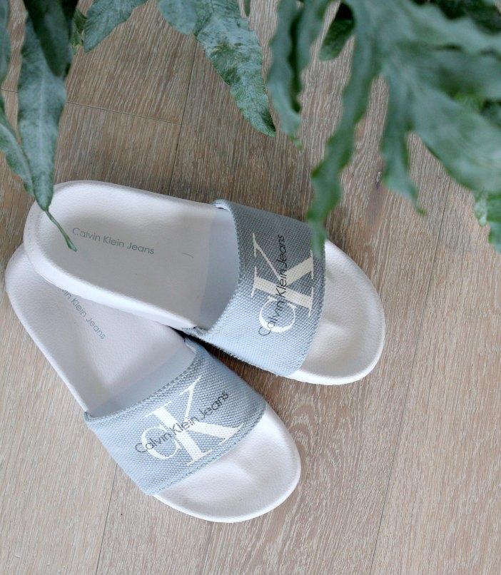 Karos sandaler.jpg